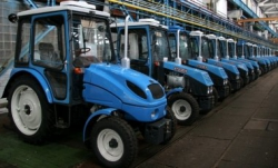 ХТЗ показывает хороший результат - 11 тракторов за смену