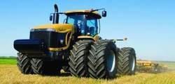 В Милане прошла уникальная выставка тракторов-гигантов