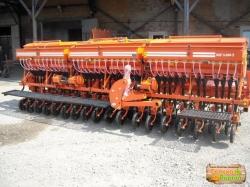Конструкционные особенности сеялки зерновой СЗФ-5400