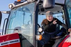 Девушка на Massey Ferguson покорит Южный полюс