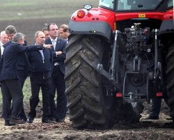 Российским аграриям предлагают больше не приобретать импортную сельхозтехнику