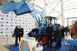«Агромаш» представил два новых трактора на XVIII международном форуме «ДОРКОМЭКСПО»