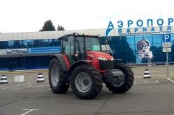 АгроЦентрЗахарово поставил трактор Massey Ferguson 6713 в аэропорт Барнаула