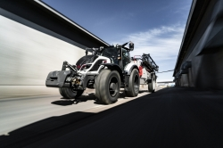 AGCO-RM фиксирует цены в рублях на тракторы Valtra