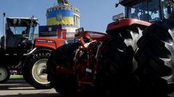 Крупнейший тракторный завод Украины остановил производство