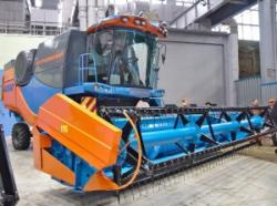 Зерноуборочный комбайн Агромаш-4000 – первый в Чувашии