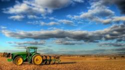 Какую поддержку получат аграрии на приобретение техники?