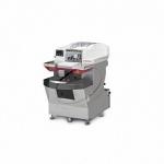 Полуавтоматическая машина Ulma Compact для упаковки продуктов в лотках в стрейч-плёнку.