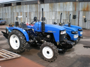 Трактор DW 224Т