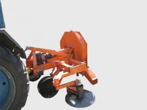 Машина для открывки виноградных кустов