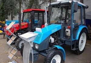 Колесный трактор ХТЗ 3512-09