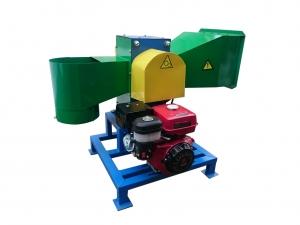 Рубильная машина (измельчитель веток) под бензиновый двигатель