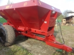 Машина для внесения минеральных удобрений и извести МВУ-6