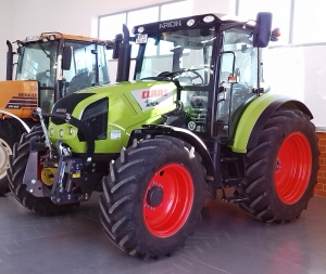 Трактор колесный CLAAS ARION 410