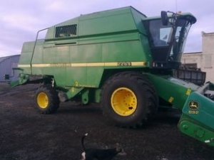 Комбайн зерноуборочный JOHN DEERE 2264