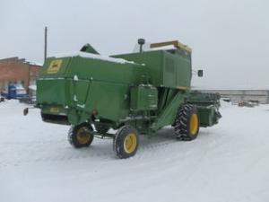 Комбайн зерноуборочный John-Deere 942