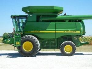 Комбайн зерноуборочный John Deere