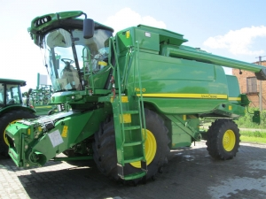 Комбайн зерноуборочный JOHN DEERE T660i
