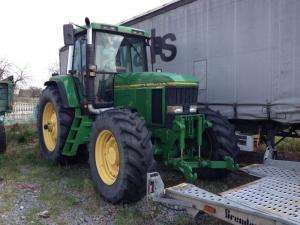 Трактор колесный JOHN DEERE 7700