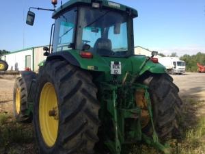 Трактор колесный JOHN DEERE 8200