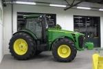 Трактор колесный JOHN DEERE 8310R