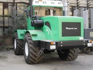 Трактор колесный КИРОВЕЦ Вакула-300