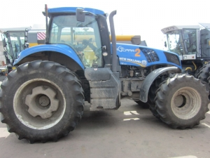 Трактор колесный NEW HOLLAND Т8.390
